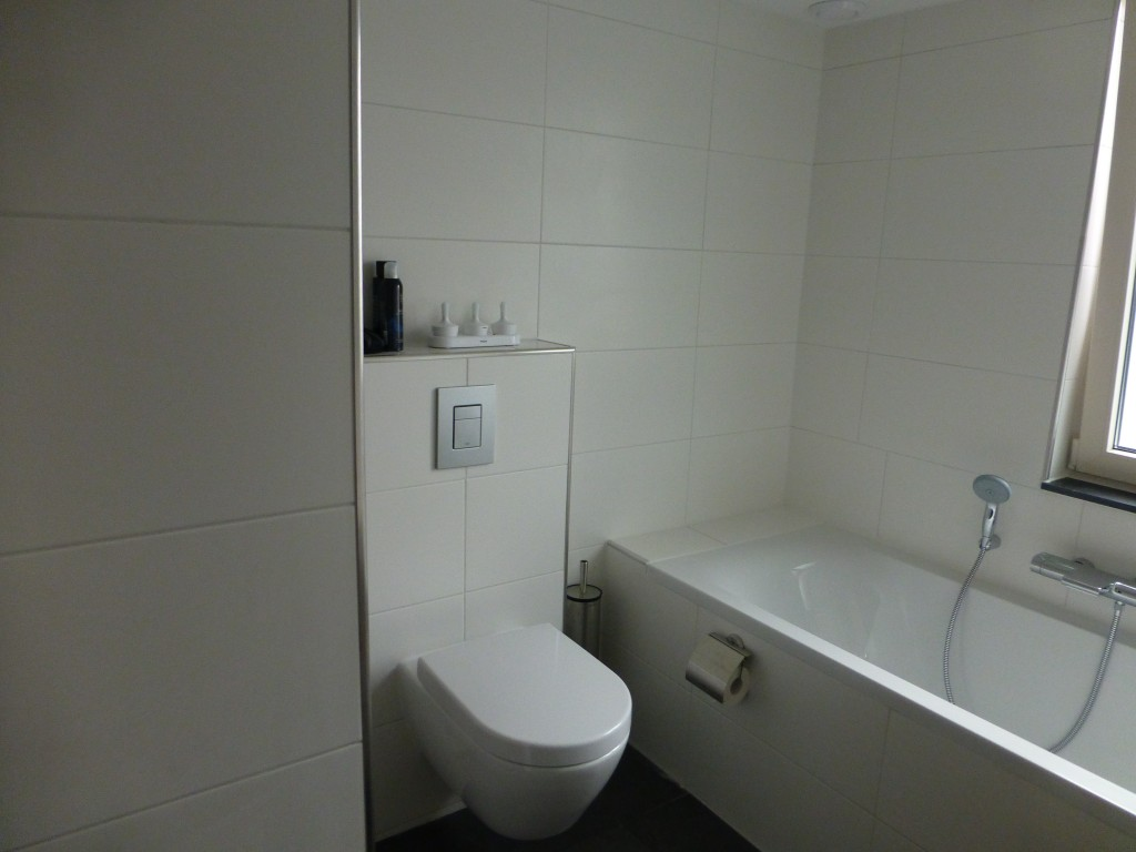 Complete Badkamer Alkmaar : Complete badkamers toilet j snel loodgietersbedrijf